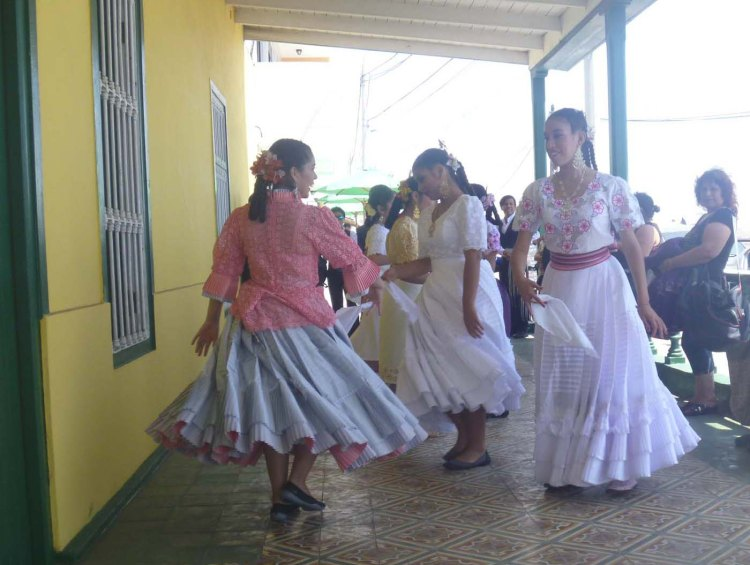 2.13.16 Fiesta dancers-007sm