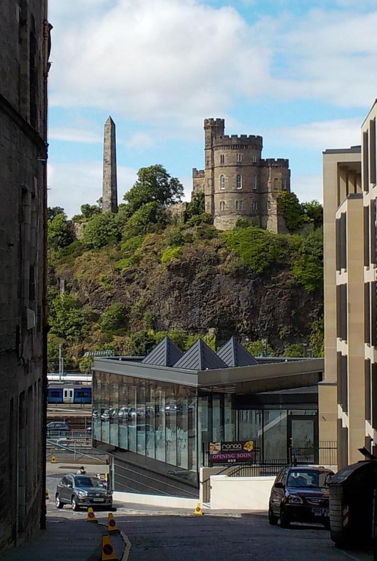 7.3.16 Edinburgh Royal Mile-012sm