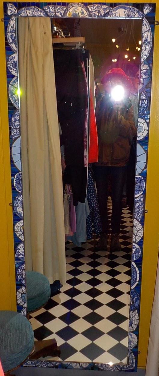 9-14-16-dornoch-charity-shop-mirror-by-marion-rhind-001sm
