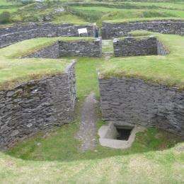 Leacanabuile stone fort.